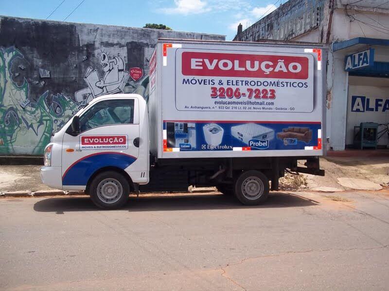 Imagem do serviço de envelopamento de veículo do caminhão