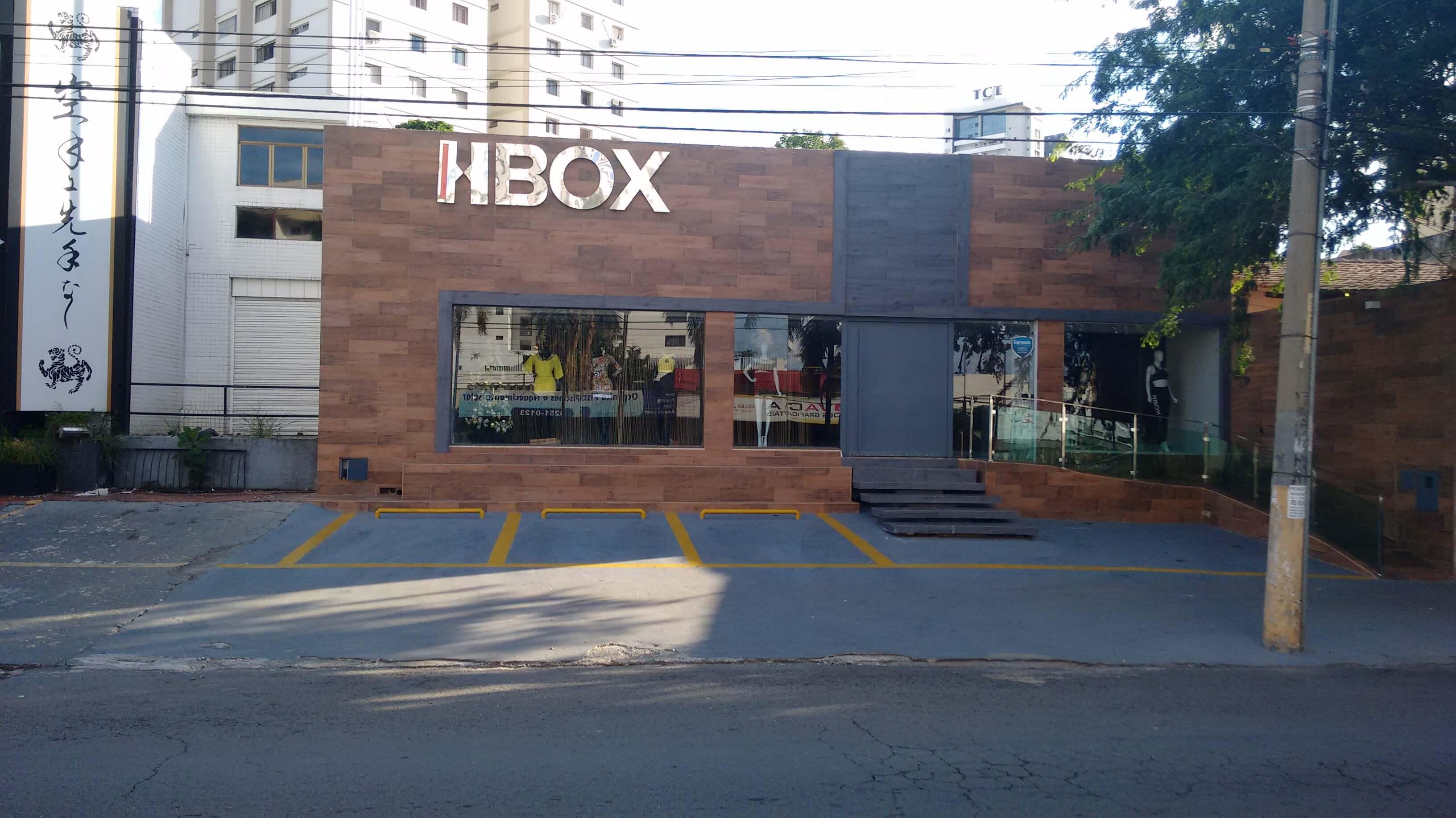 Imagem de serviço de fachada com letra caixa HBOX